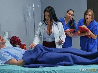 Arzt saugt Schwanz Weiblicher Die Dessous